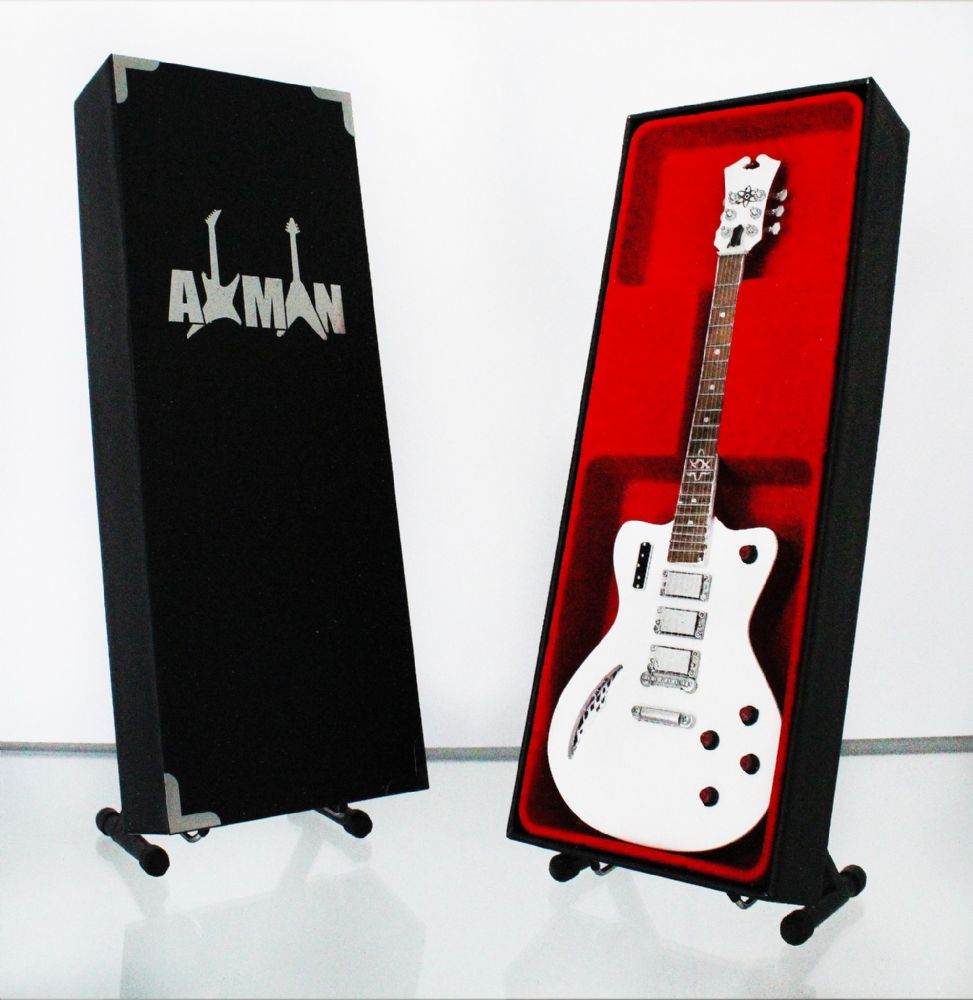 (Be-Bop Deluxe) Bill Nelson - Eastwood Astroluxe Cadet: Guitar Replica Miniature